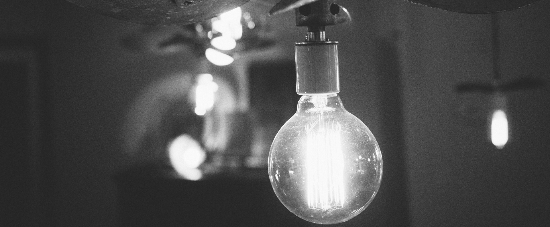 black-and-white-lights-light-bulb-idea3-1